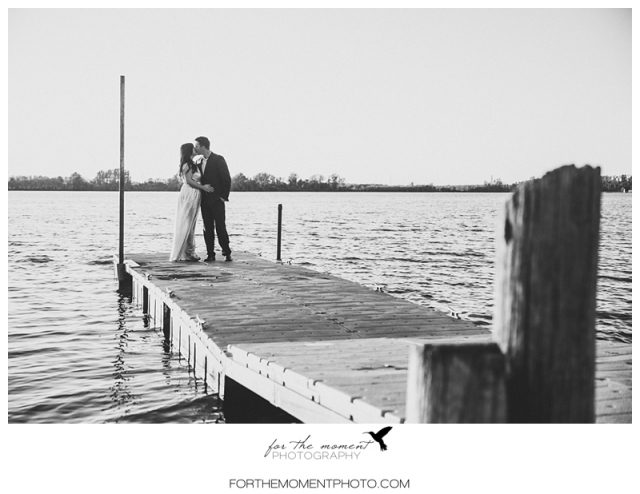 st_louis_sunset_hollywood_field_lake_engagement_photos-1018